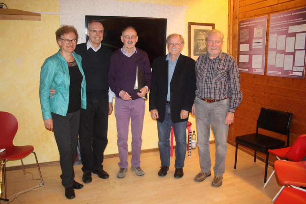 Bild: Günter Frey Die Akteure des Abends (v.l.n.r): Sibylle Helmer, Dr. Gottfried Schüz, Günter Frey, Dr. Michael Kemmer und Klaus Leibenath.