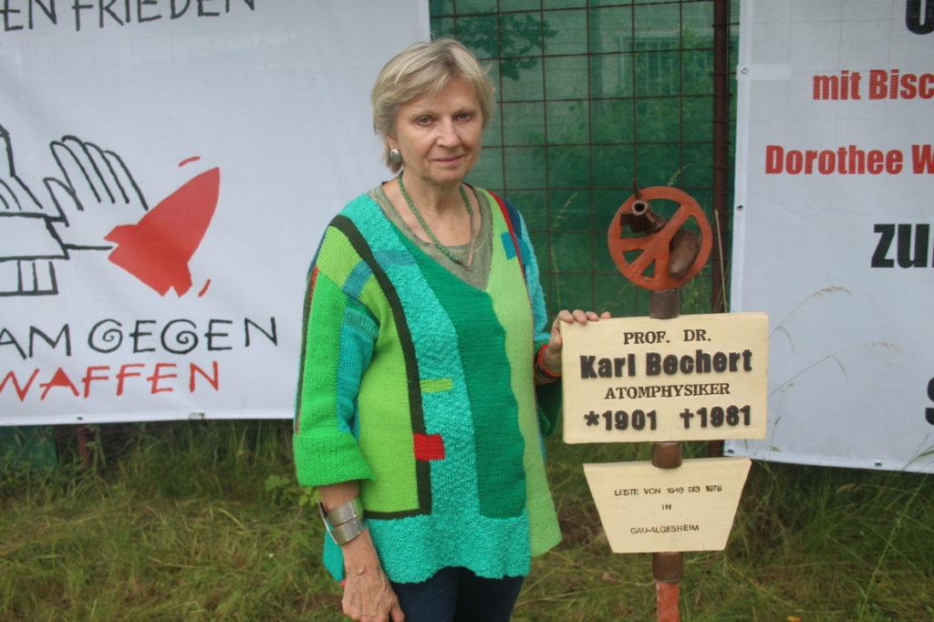 Karl-Bechert-Friedensstele von Anne Hagel